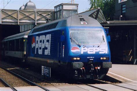 瑞士联邦铁路公司火车头喷涂广告