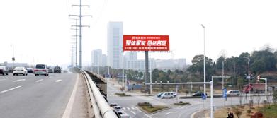岳麓大道与东方红路三面翻双面立柱广告位