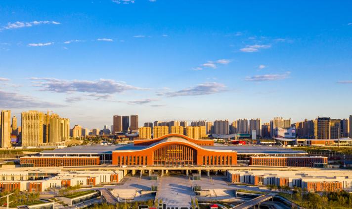 黑龙江高铁哈尔滨西站LED大屏候车厅东进站口(1块)