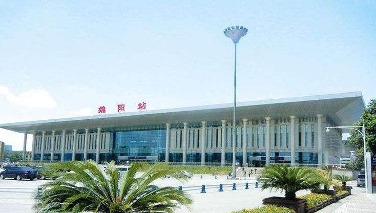 四川高铁绵阳站LED大屏候车厅进站口上方外立面(1块)