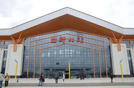 曲靖北站高铁站119吋LED 显示屏广告(4面)