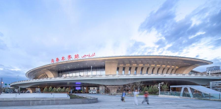 新疆高铁乌鲁木齐站LED大屏北售票厅窗口(1块)