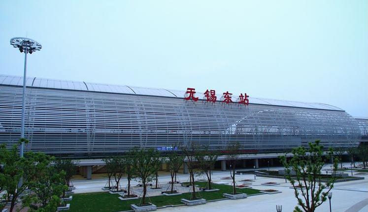 江苏高铁无锡东站LED大屏候车大厅中央通道(4块)