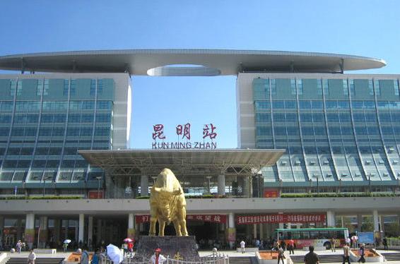 云南高铁昆明站LED大屏站外广场(1块)