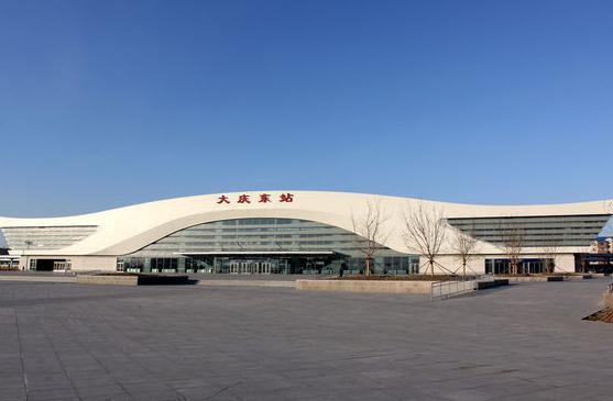 黑龙江高铁大庆东站LED大屏候车大厅检票口上方(1块)