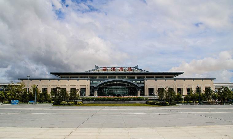 福建高铁福州南站LED大屏候车大厅两侧(2块)