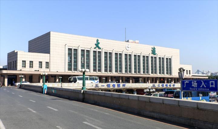 辽宁高铁大连站LED大屏候车大厅(1块)