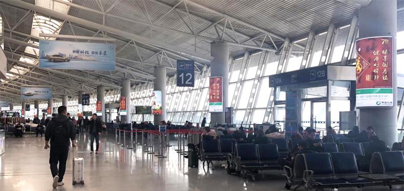 青岛机场T1出发层包柱广告(一个月/10个)