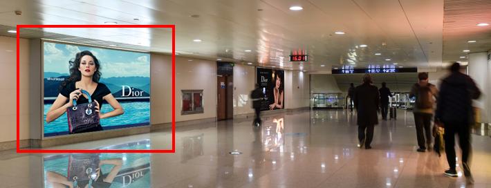 青岛机场T2到达层墙面灯箱广告(一个月)JC-Q8-T2