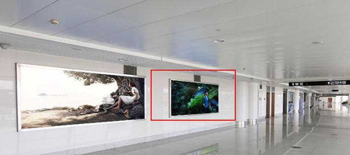 青岛机场T2到达层墙面灯箱广告(一个月)JC-Q29-T2