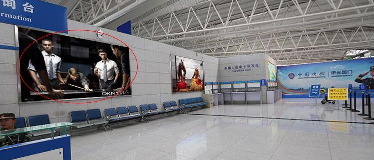 青岛机场T2出发层墙面灯箱广告(一个月)CT-Q10-T2