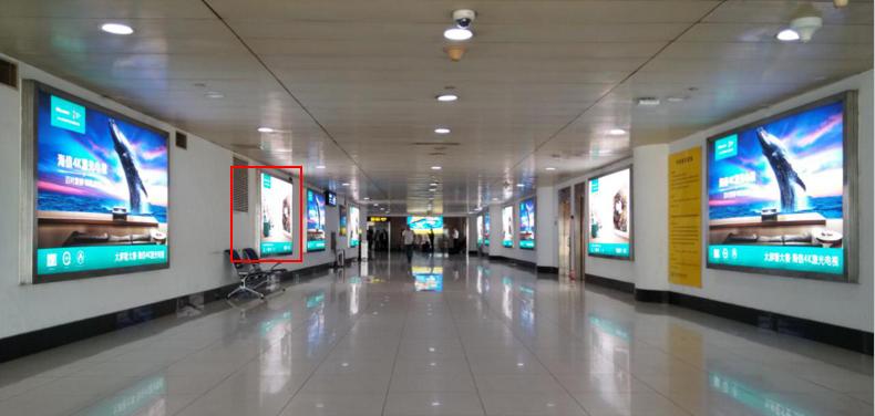 青岛机场T1出发层墙面灯箱广告(一个月)DY-Q8-T1