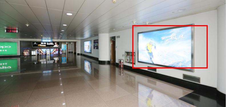 青岛机场T1出发层墙面灯箱广告(一个月)JC-Q17-T1