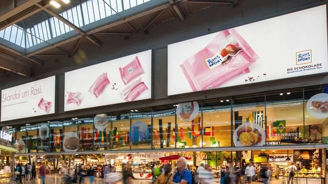 德国科隆中心火车站立式或悬挂式灯箱广告牌(月 /个)