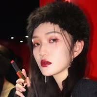 化 妆师繁子