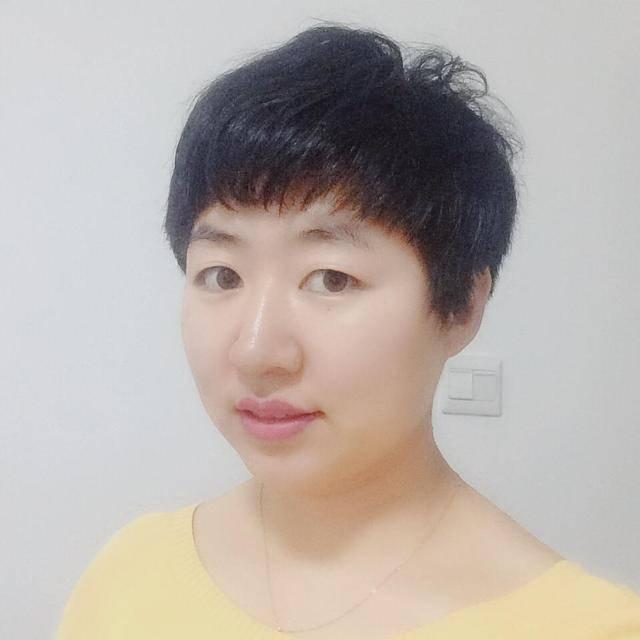 媒体人江玲