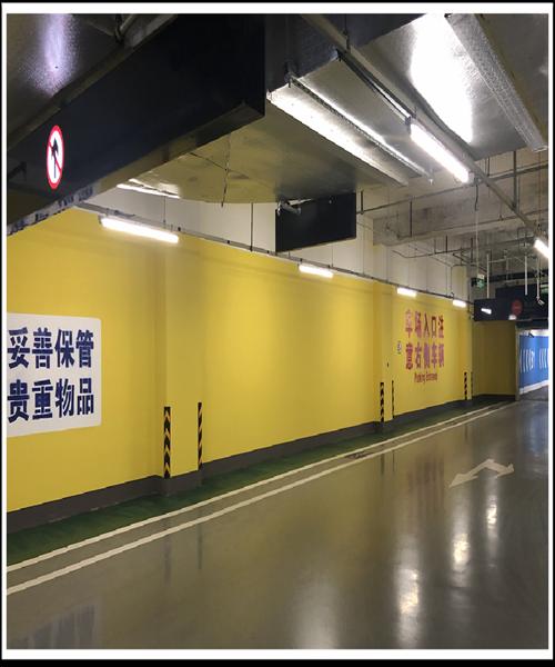 北京天通苑地铁公交长途交通枢纽P+R车况墙贴灯箱广告位招商