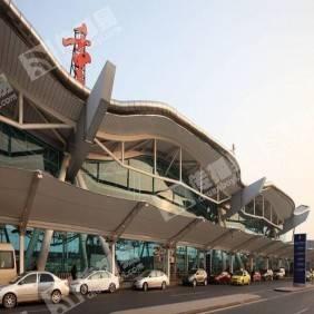 重庆江北机场行李车主页焦点广告(100台)